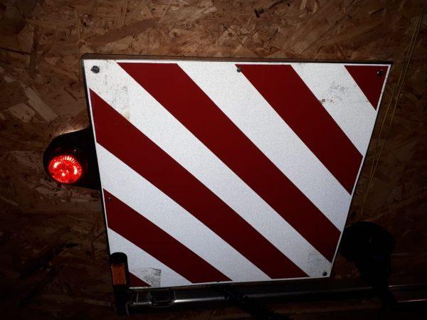 Производство и продажа знаков негабаритного груза для перевозки. Размеры по ГОСТ 40X40 см. Доставка в любую точку РФ.